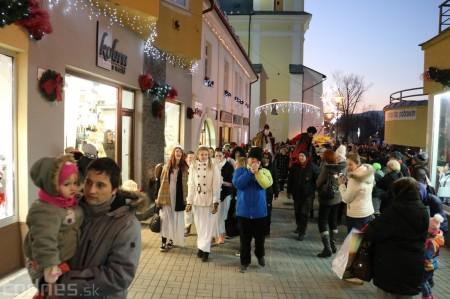 Foto: Mikulášsky sprievod a rozsvietenie vianočného stromčeka 2016 25