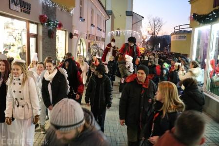 Foto: Mikulášsky sprievod a rozsvietenie vianočného stromčeka 2016 27