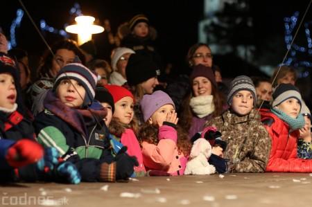 Foto: Mikulášsky sprievod a rozsvietenie vianočného stromčeka 2016 54