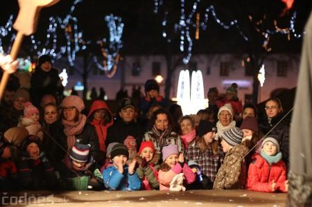 Foto: Mikulášsky sprievod a rozsvietenie vianočného stromčeka 2016 61