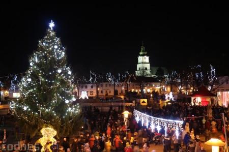 Foto: Mikulášsky sprievod a rozsvietenie vianočného stromčeka 2016 64