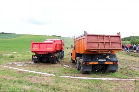 Foto a video: Zraz veteránov traktorov, automobilov a inej techniky - Mačov 2016 1