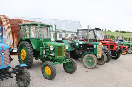 Foto a video: Zraz veteránov traktorov, automobilov a inej techniky - Mačov 2016 18