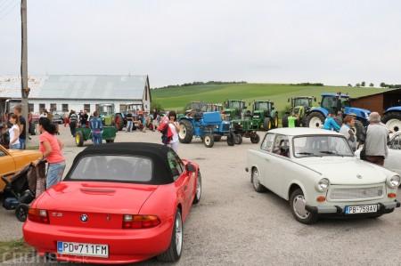 Foto a video: Zraz veteránov traktorov, automobilov a inej techniky - Mačov 2016 24