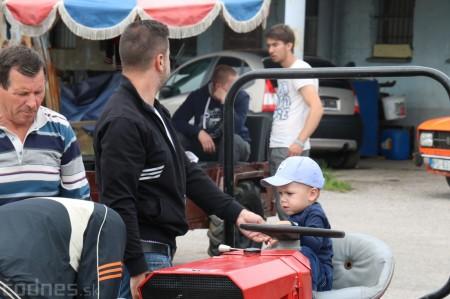 Foto a video: Zraz veteránov traktorov, automobilov a inej techniky - Mačov 2016 33
