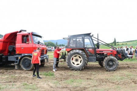 Foto a video: Zraz veteránov traktorov, automobilov a inej techniky - Mačov 2016 57