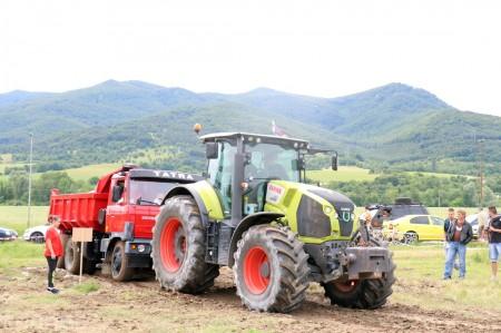Foto a video: Zraz veteránov traktorov, automobilov a inej techniky - Mačov 2016 59