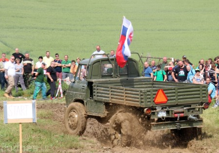 Foto a video: Zraz veteránov traktorov, automobilov a inej techniky - Mačov 2016 64
