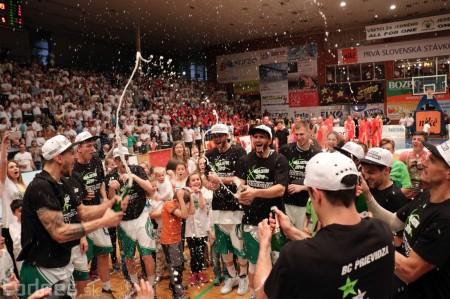 Foto: BC Prievidza novým majstrom SBL, získali sme šiesty titul 69