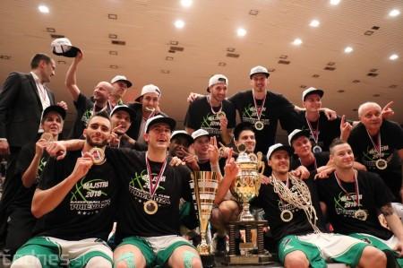 Foto: BC Prievidza novým majstrom SBL, získali sme šiesty titul 99