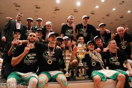 Foto: BC Prievidza novým majstrom SBL, získali sme šiesty titul 100