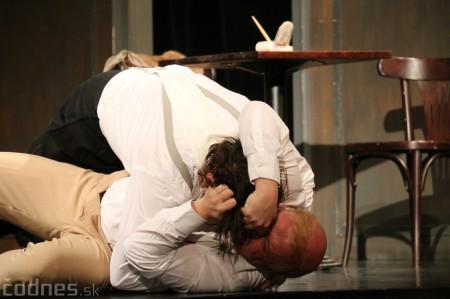 Foto: Divadlo Astorka - Idiot 6