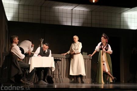 Foto: Divadlo Astorka - Idiot 30
