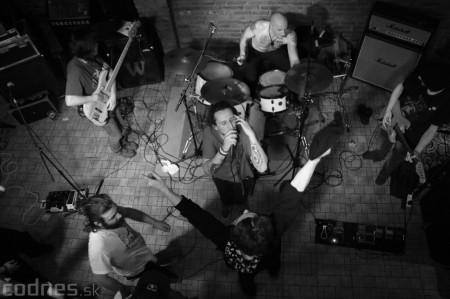 Foto a video: Rage Against the Machine - guerrilla tribute band - Piano Prievidza 2016 17
