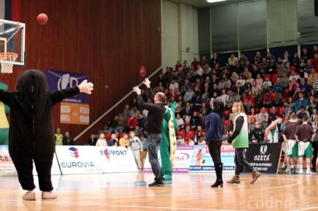 Foto: BC Prievidza - Inter Bratislava 84:68 74