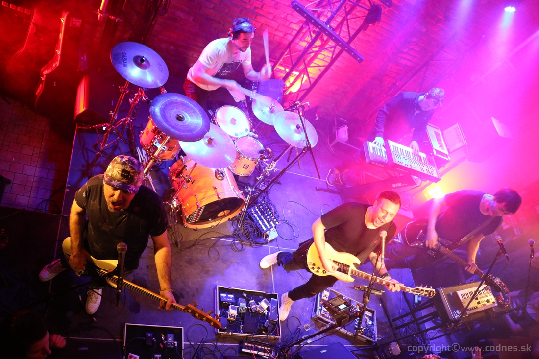 Foto: Lavagance - Halfway to the Grave Tour 2015 - Prievidza Piano
