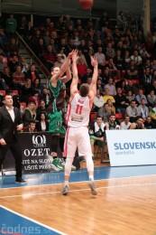 Video a foto: BC Prievidza - MBK Rieker Komárno a lietajúce plyšáky 32