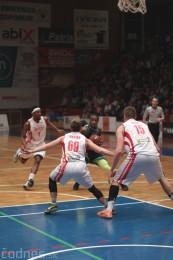 Video a foto: BC Prievidza - MBK Rieker Komárno a lietajúce plyšáky 50
