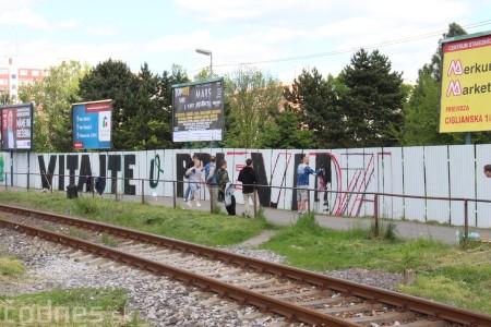 Foto: Vitajte v Prievidzi - sprejeri skrášlili plot 4