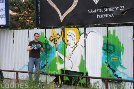 Foto: Vitajte v Prievidzi - sprejeri skrášlili plot 9