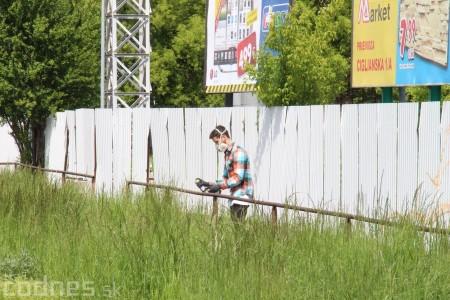 Foto: Vitajte v Prievidzi - sprejeri skrášlili plot 11