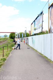 Foto: Vitajte v Prievidzi - sprejeri skrášlili plot 16