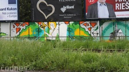 Foto: Vitajte v Prievidzi - sprejeri skrášlili plot 24