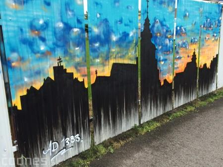 Foto: Vitajte v Prievidzi - sprejeri skrášlili plot 29