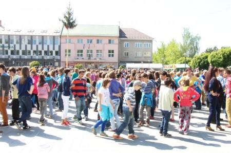 Video a foto: Čardáš dupkaný - Slovenský rekord - Prievidza 2014 0