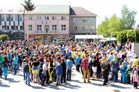 Video a foto: Čardáš dupkaný - Slovenský rekord - Prievidza 2014 4