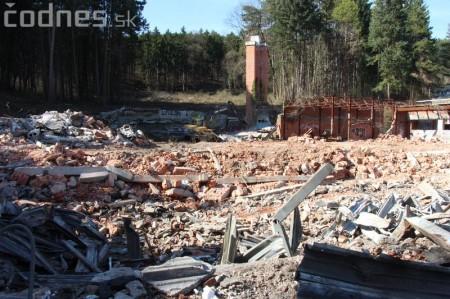 Foto a video: Búranie kryté bazény Čajka Bojnice 8