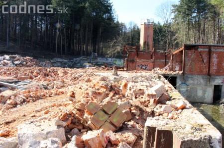 Foto a video: Búranie kryté bazény Čajka Bojnice 14
