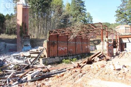 Foto a video: Búranie kryté bazény Čajka Bojnice 20