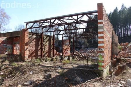 Foto a video: Búranie kryté bazény Čajka Bojnice 28
