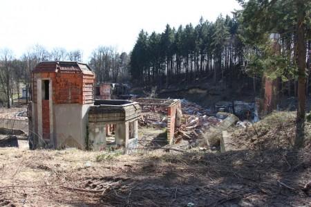 Foto a video: Búranie kryté bazény Čajka Bojnice 30