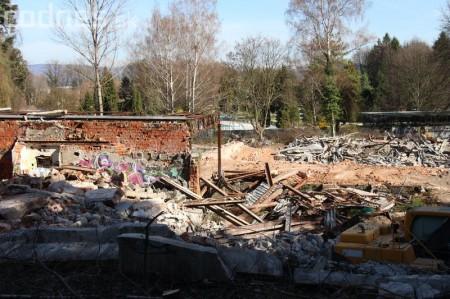 Foto a video: Búranie kryté bazény Čajka Bojnice 36