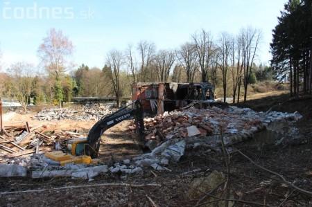 Foto a video: Búranie kryté bazény Čajka Bojnice 37
