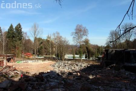 Foto a video: Búranie kryté bazény Čajka Bojnice 38