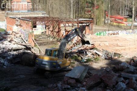Foto a video: Búranie kryté bazény Čajka Bojnice 39