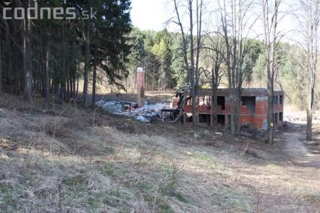 Foto a video: Búranie kryté bazény Čajka Bojnice 45