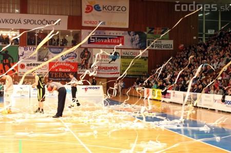 Foto a video: BC Prievidza - MBK Handlová 75:49 2