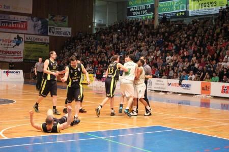 Foto a video: BC Prievidza - MBK Handlová 75:49 28