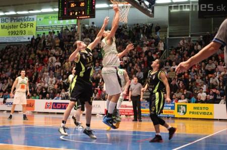 Foto a video: BC Prievidza - MBK Handlová 75:49 34