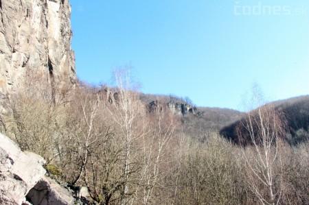 Foto a video: Lezecká oblasť Hrádok - nenechajme si zničiť prírodné bohatstvo 14
