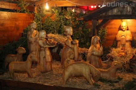 Foto a video: Mikuláš a rozsvietenie vianočného stromčeka 1