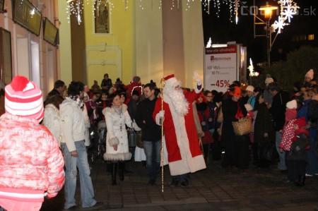 Foto a video: Mikuláš a rozsvietenie vianočného stromčeka 6