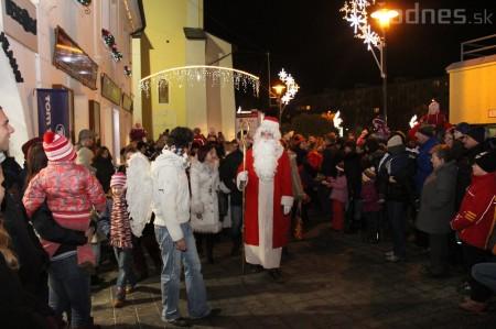 Foto a video: Mikuláš a rozsvietenie vianočného stromčeka 8