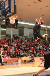 Foto a video: BC Prievidza - BK Inter Incheba Bratislava 70:78 44