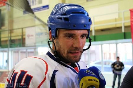 Foto a video: Exibičný hokejový zápas MšHK Bulldogs Prievidza a hviezdy NHL a Slovenska 75