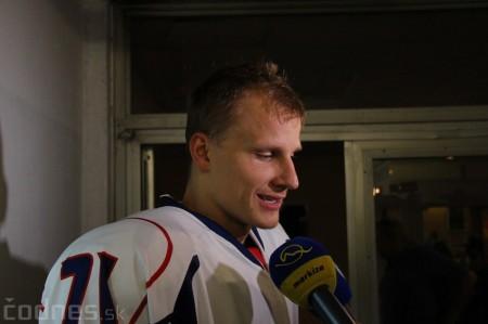 Foto a video: Exibičný hokejový zápas MšHK Bulldogs Prievidza a hviezdy NHL a Slovenska 80